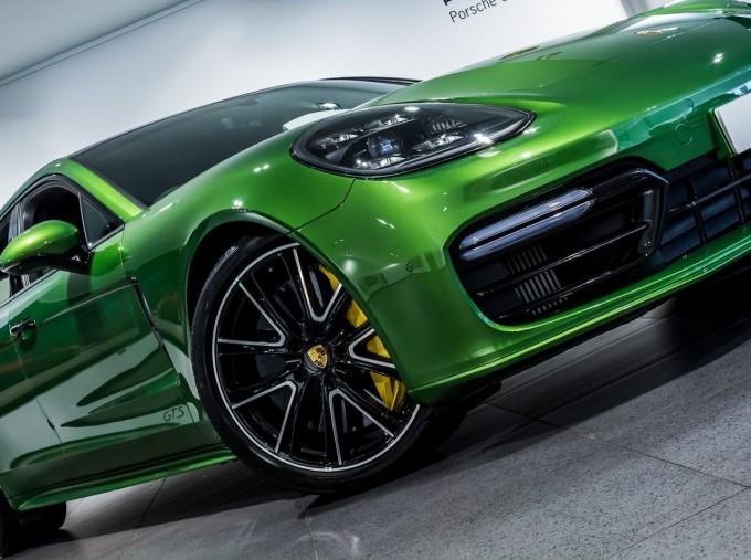 2018 Porsche V8 GTS Sport Turismo PDK 4WD 5-door (Green) - Image: 47