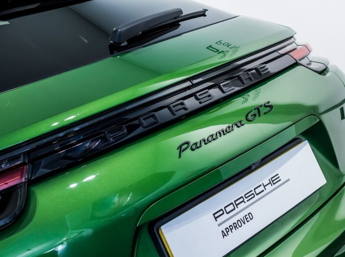 2018 Porsche V8 GTS Sport Turismo PDK 4WD 5-door (Green) - Image: 50