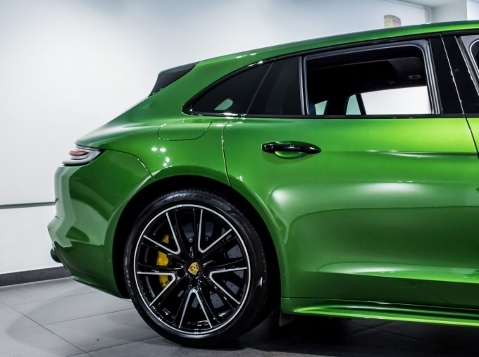 2018 Porsche V8 GTS Sport Turismo PDK 4WD 5-door (Green) - Image: 53