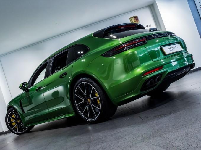 2018 Porsche V8 GTS Sport Turismo PDK 4WD 5-door (Green) - Image: 55