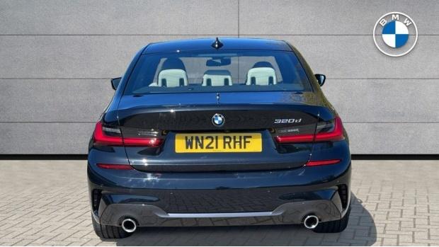 2021 BMW 320d M Sport Saloon (Black) - Image: 15