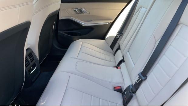 2021 BMW 320d M Sport Saloon (Black) - Image: 30