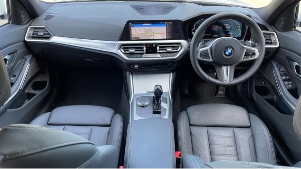 2020 BMW 330e M Sport Saloon (White) - Image: 4