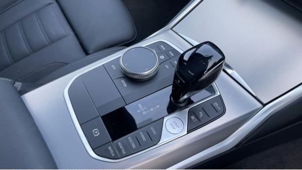 2020 BMW 330e M Sport Saloon (White) - Image: 10