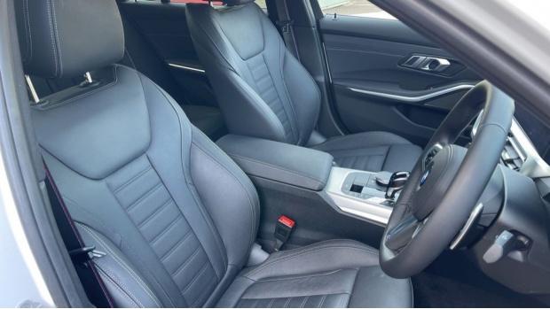 2020 BMW 330e M Sport Saloon (White) - Image: 11