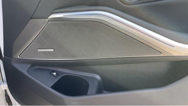 2020 BMW 330e M Sport Saloon (White) - Image: 20