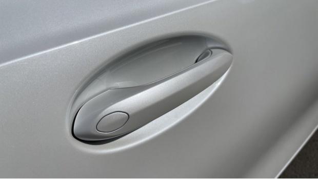 2020 BMW 330e M Sport Saloon (White) - Image: 25