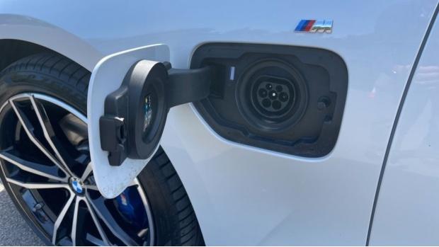 2020 BMW 330e M Sport Saloon (White) - Image: 31