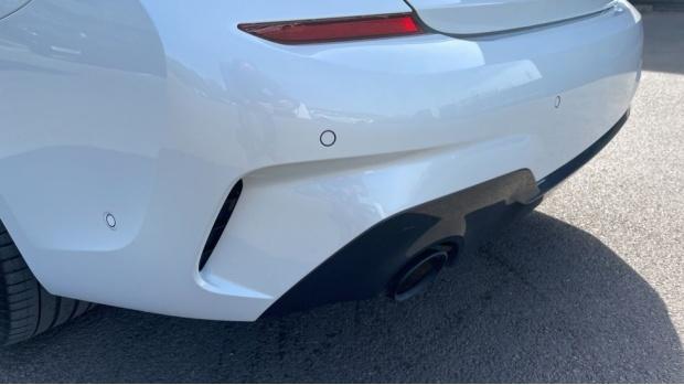 2020 BMW 330e M Sport Saloon (White) - Image: 35