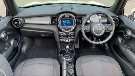 2018 MINI Cooper Convertible (White) - Image: 4