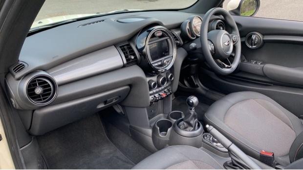 2018 MINI Cooper Convertible (White) - Image: 7