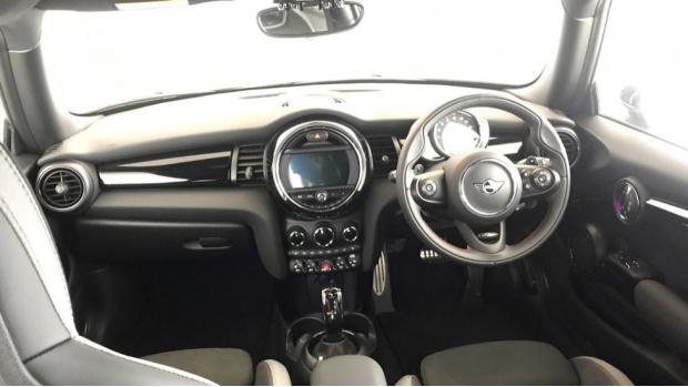 2020 MINI 3-door Cooper S Sport (Black) - Image: 4