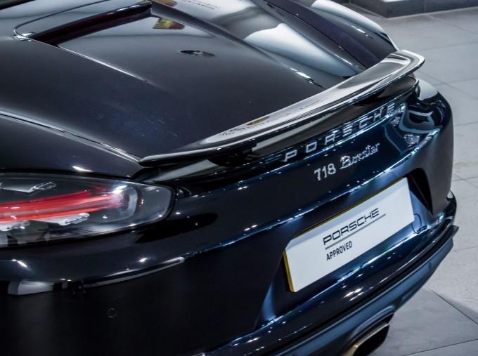 2018 Porsche PDK 2-door (Black) - Image: 9