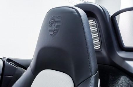 2018 Porsche PDK 2-door (Black) - Image: 12