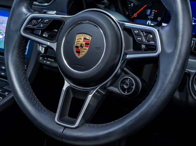 2018 Porsche PDK 2-door (Black) - Image: 13