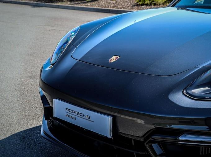 2019 Porsche V8 GTS PDK 4WD 4-door (Grey) - Image: 24