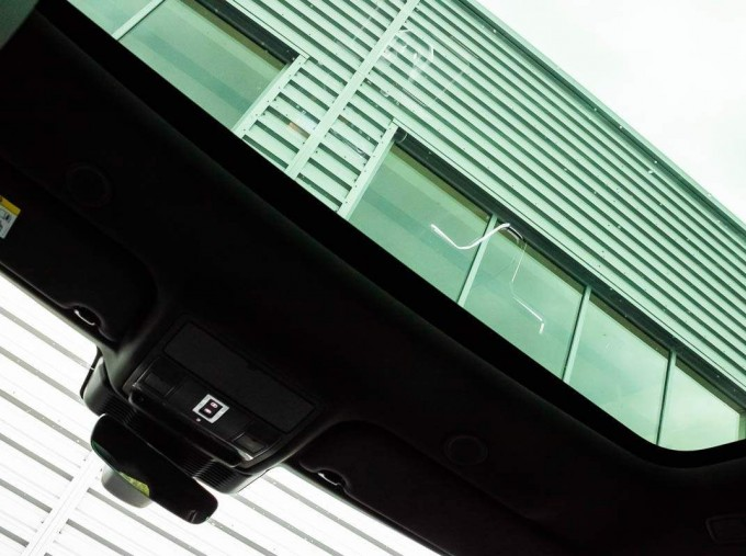 2021 Land Rover D200 MHEV R-Dynamic SE Auto 4WD 5-door (Black) - Image: 16