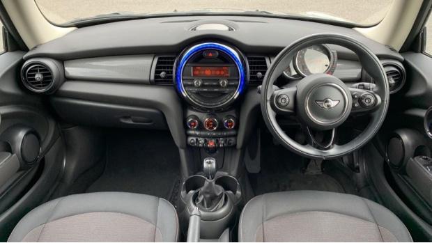 2017 MINI Cooper 3-door Hatch (Grey) - Image: 4