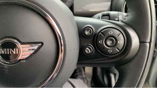 2017 MINI Cooper 3-door Hatch (Grey) - Image: 18