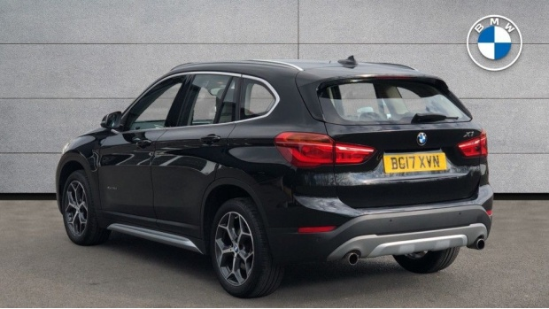 2017 BMW XDrive20d xLine (Black) - Image: 2