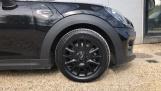 2018 MINI Cooper 3-door Hatch (Black) - Image: 14