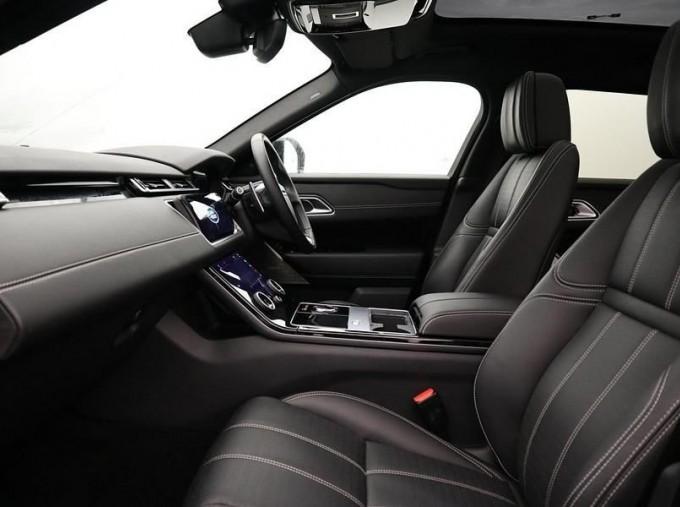 2020 Land Rover D300 R-Dynamic HSE Auto 4WD 5-door (Grey) - Image: 3