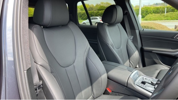 2021 BMW XDrive45e M Sport (Grey) - Image: 11