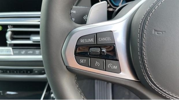 2021 BMW XDrive45e M Sport (Grey) - Image: 17
