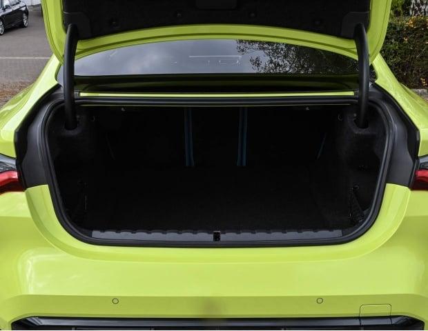 2021 BMW BiTurbo Competition Steptronic 2-door (Yellow) - Image: 7