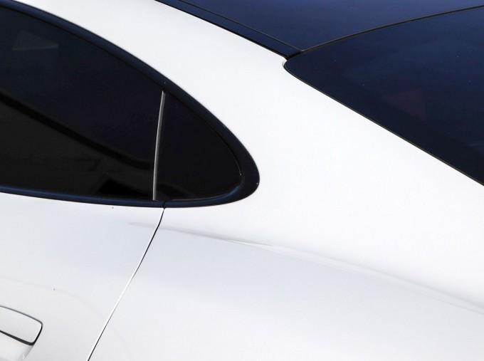2020 Porsche 93.4kWh Turbo S Auto 4WD 4-door (White) - Image: 25