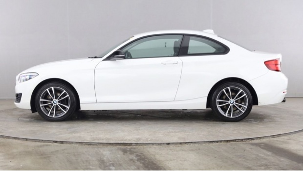 2018 BMW 218i Sport Coupe (White) - Image: 3