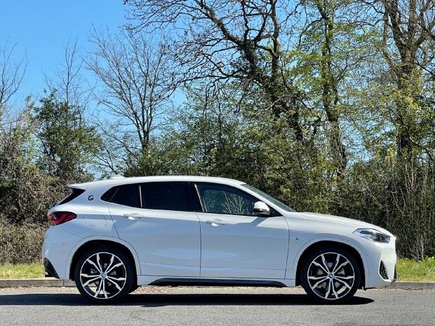 2021 BMW 18d M Sport Auto sDrive 5-door (White) - Image: 3