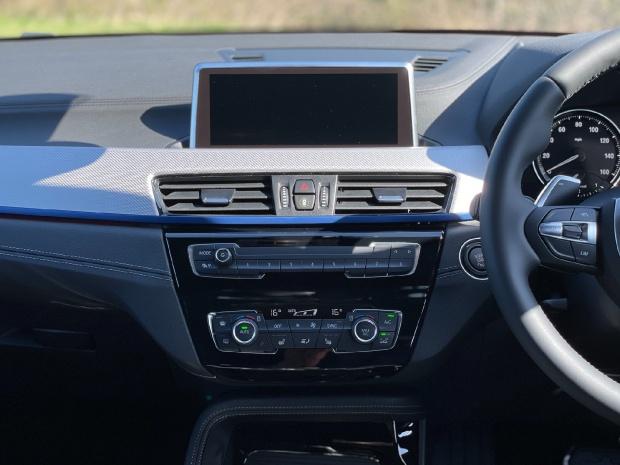 2021 BMW 18d M Sport Auto sDrive 5-door (White) - Image: 8