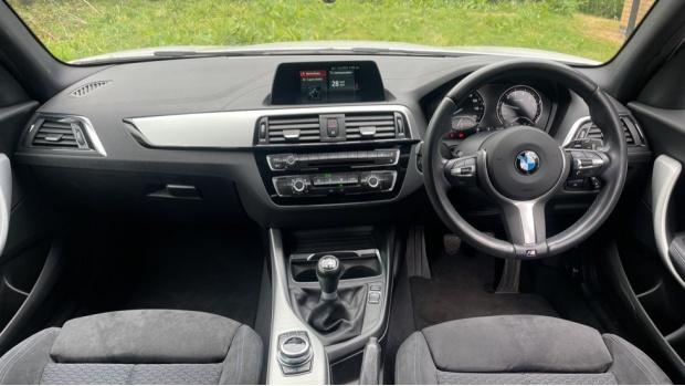 2017 BMW 118i M Sport 5-door (White) - Image: 4