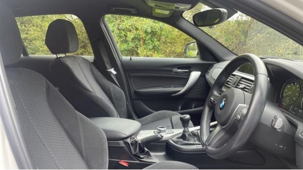 2017 BMW 118i M Sport 5-door (White) - Image: 11