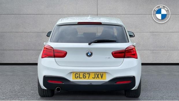 2017 BMW 118i M Sport 5-door (White) - Image: 15