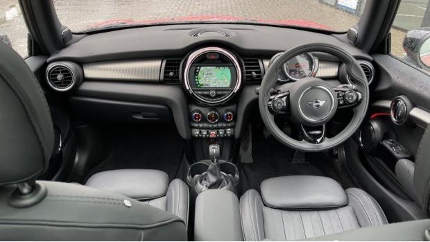 2020 MINI 3-door Cooper Exclusive (Red) - Image: 4
