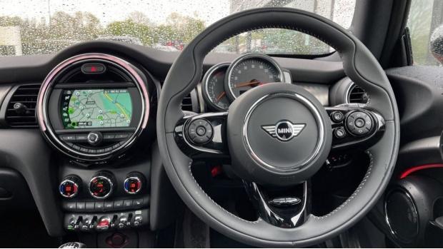 2020 MINI 3-door Cooper Exclusive (Red) - Image: 5