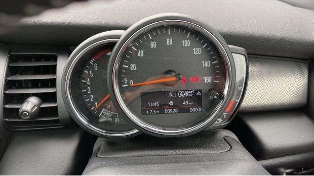 2020 MINI 3-door Cooper Exclusive (Red) - Image: 9