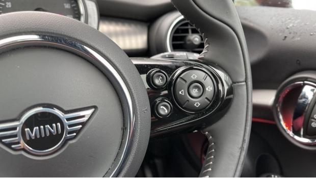 2020 MINI 3-door Cooper Exclusive (Red) - Image: 18