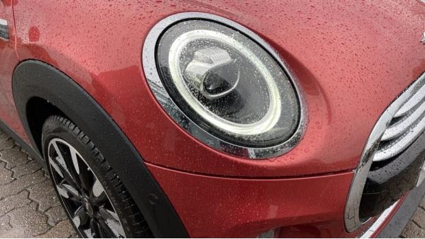 2020 MINI 3-door Cooper Exclusive (Red) - Image: 23