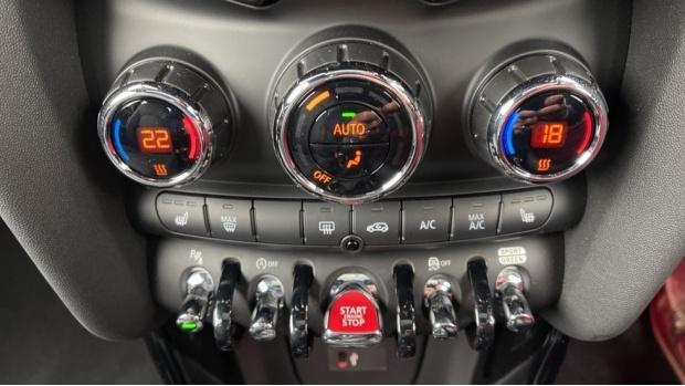 2020 MINI 3-door Cooper Exclusive (Red) - Image: 35