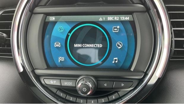 2020 MINI 3-door Cooper Exclusive (Red) - Image: 40