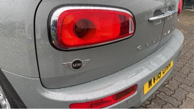 2018 MINI Cooper (Grey) - Image: 32