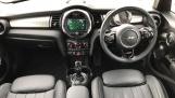 2020 MINI 5-door Cooper Exclusive (Green) - Image: 4