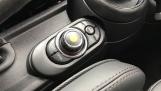 2020 MINI 5-door Cooper Exclusive (Green) - Image: 19
