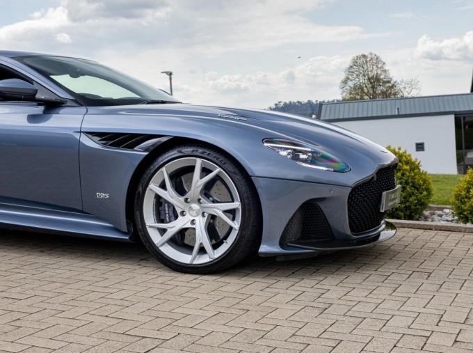 2018 Aston Martin V12 BiTurbo Superleggera Auto 2-door (Blue) - Image: 22
