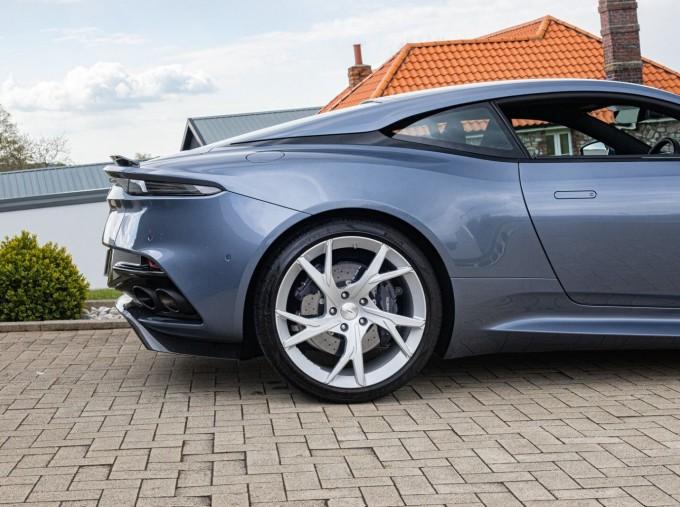 2018 Aston Martin V12 BiTurbo Superleggera Auto 2-door (Blue) - Image: 25