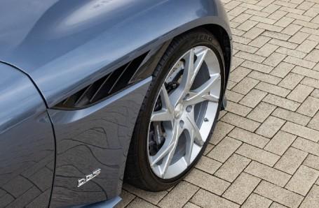 2018 Aston Martin V12 BiTurbo Superleggera Auto 2-door (Blue) - Image: 31