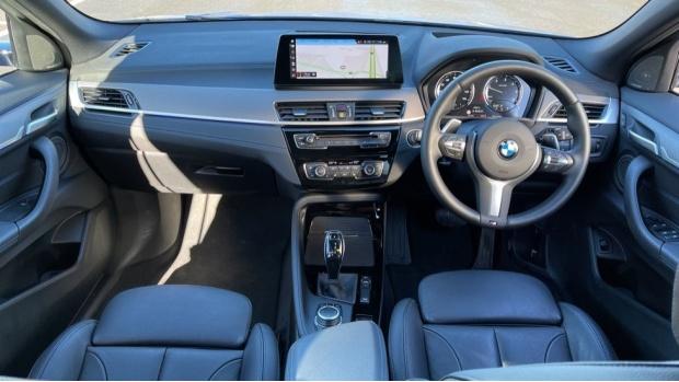 2020 BMW XDrive18d M Sport X (Blue) - Image: 4